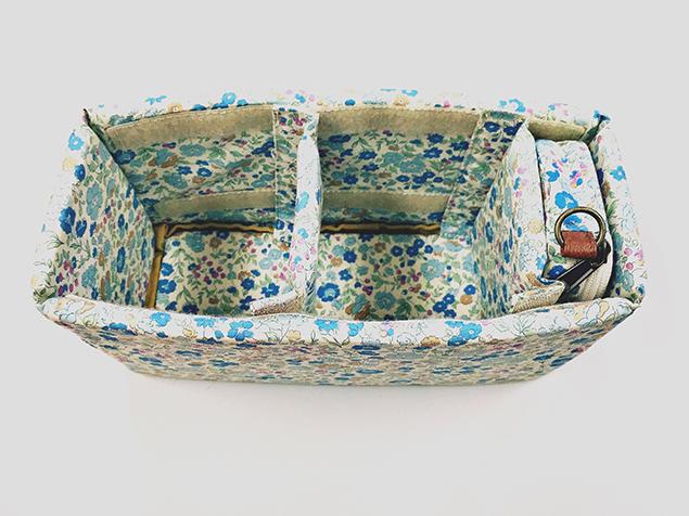 かわいい花柄のバッグインバッグ