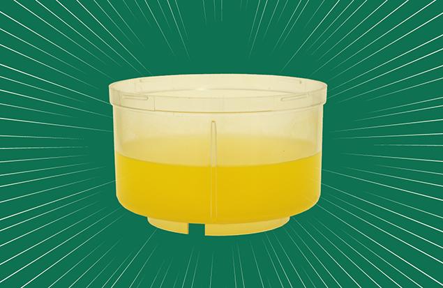 黄金色の液体の写真