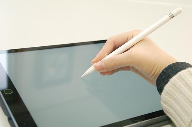 iPad Pro & Apple Pencilで描いている写真