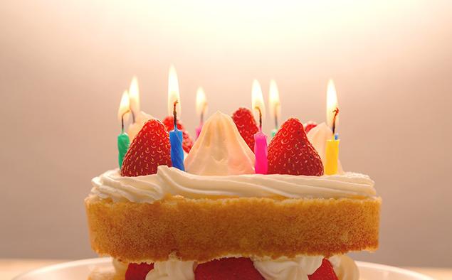 バースデーケーキの写真