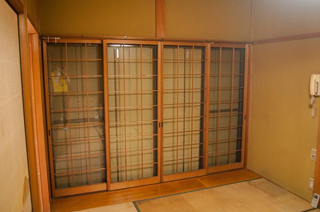 雨戸、網戸、窓をキレイにして、全てを閉めたところの写真