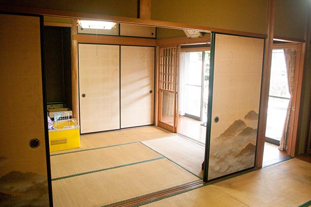片付け・大掃除が終わって、縁側から大きな光が差し込むようになった和室