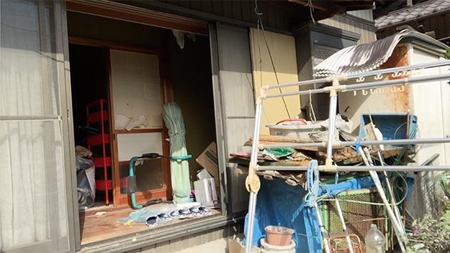 豊田市の離れの外観(掃除・片付け前)