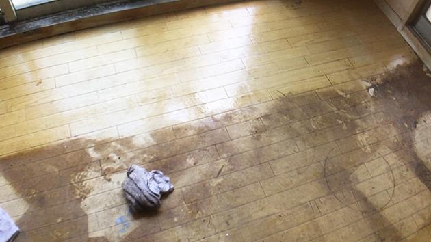 汚れた床の写真