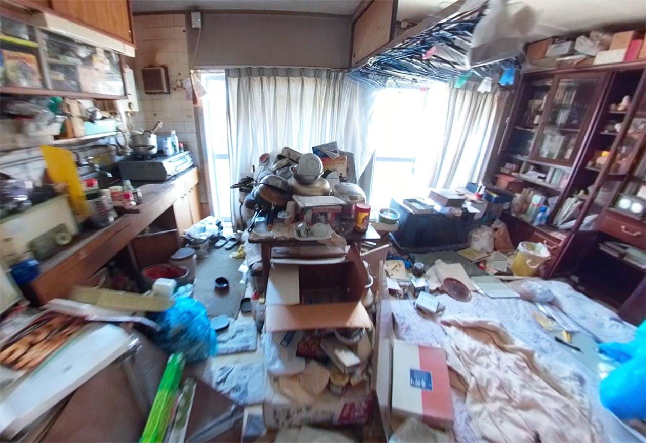 物が多すぎる部屋の写真3