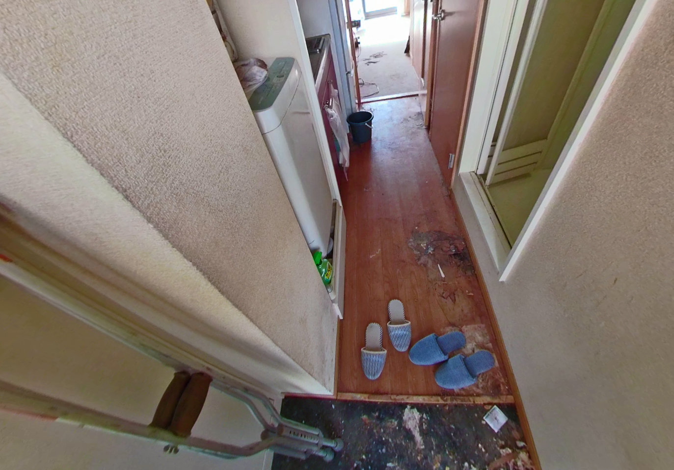 手強いトイレとお部屋の清掃ビフォー写真1