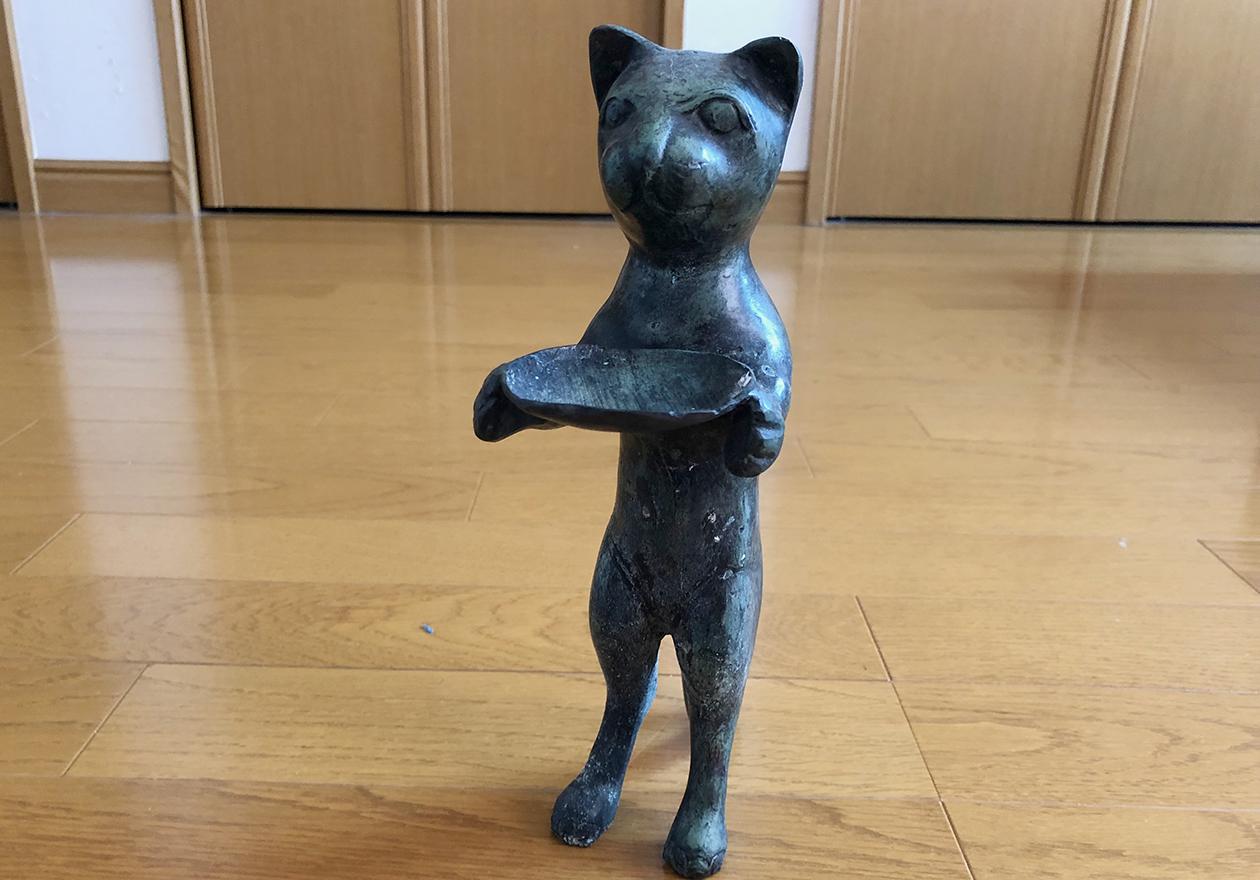 猫の置物の写真