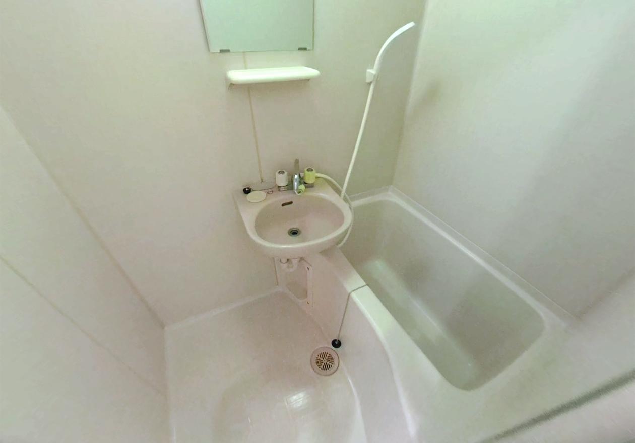 清掃後の風呂場の様子を写した写真