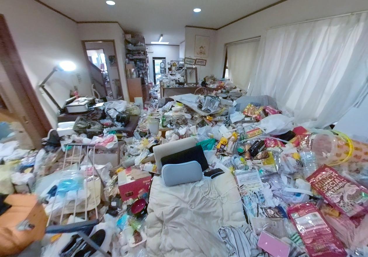 ゴミ屋敷の部屋の写真