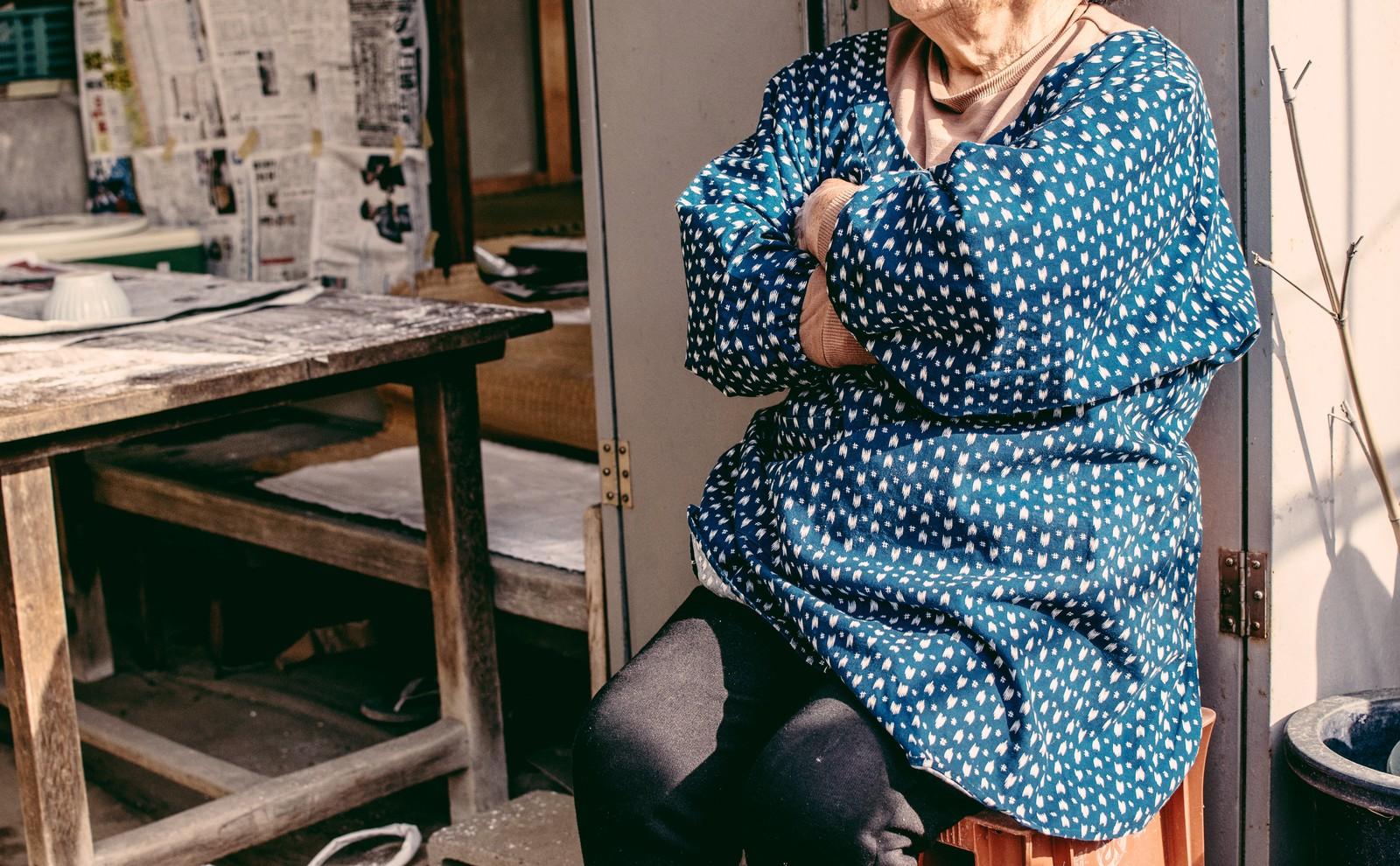高齢女性の写真