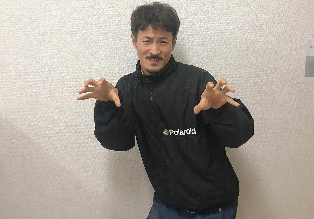 ゴジラを演ずる中野君の写真