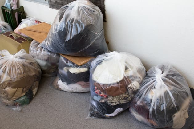処分する衣類の写真