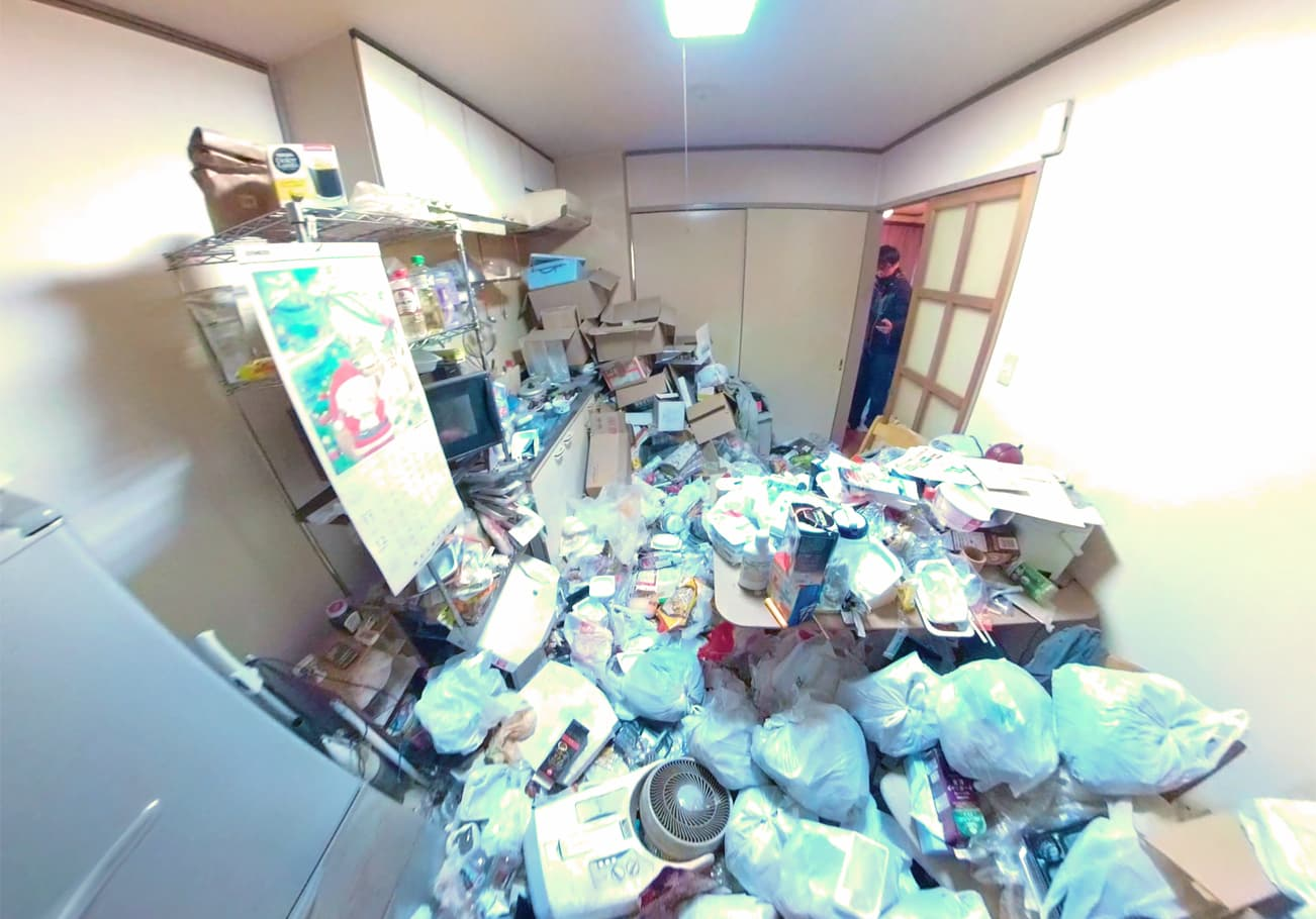 ゴミ屋敷片付け前のキッチン