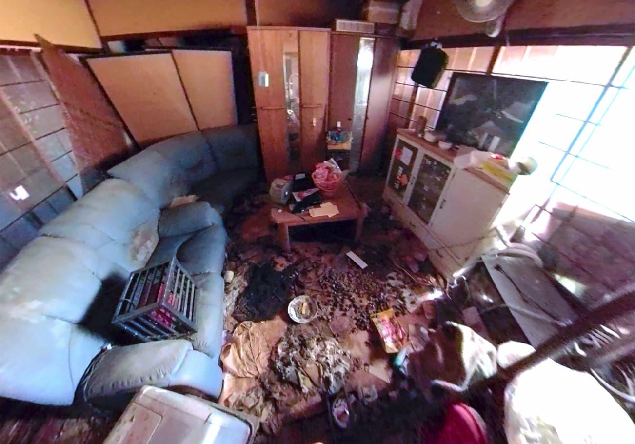 愛知県7LDK ゴミ屋敷片付け前のリビング