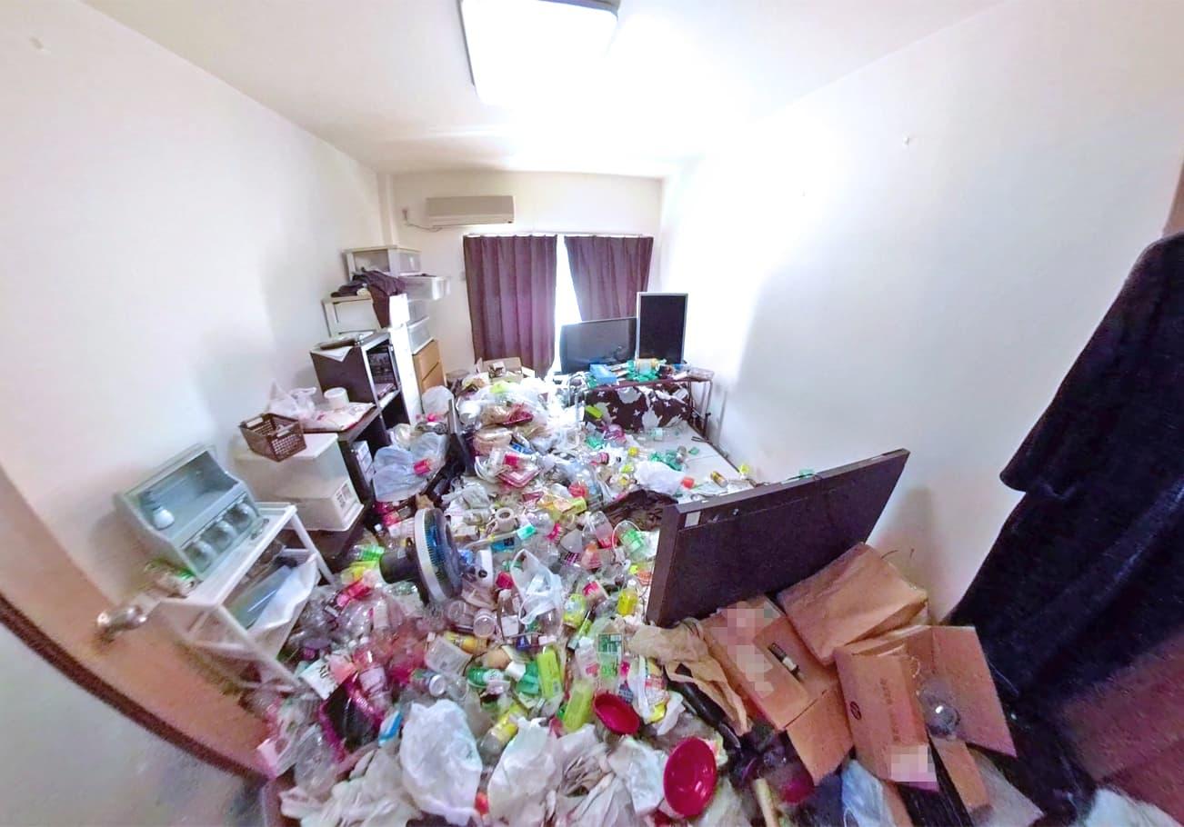 半田市1K ゴミ屋敷片付け前のリビング
