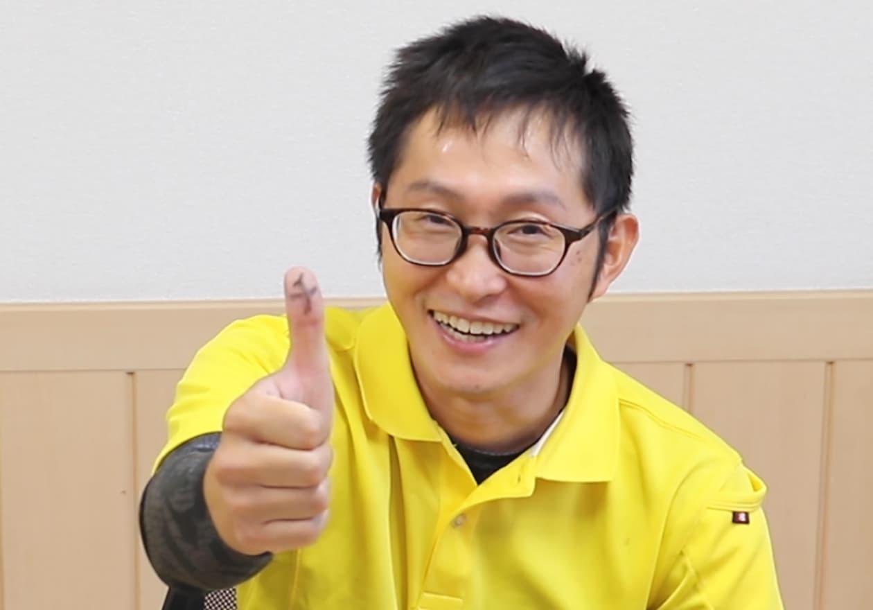 スタッフの岡本君の写真