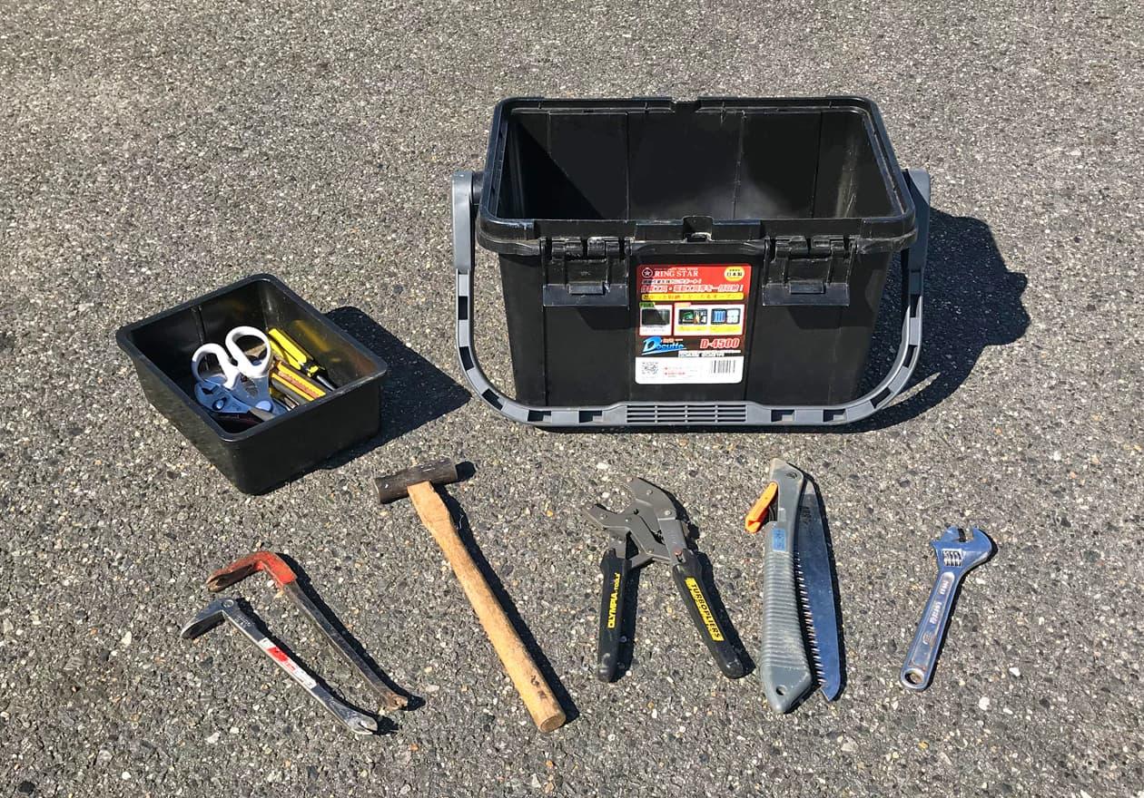 道具箱の中身を出した状態の写真