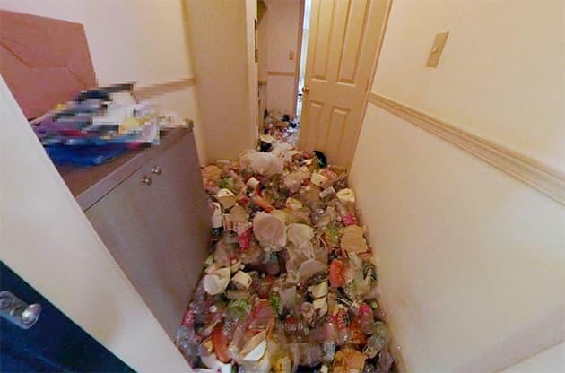 汚部屋の玄関のビフォー写真