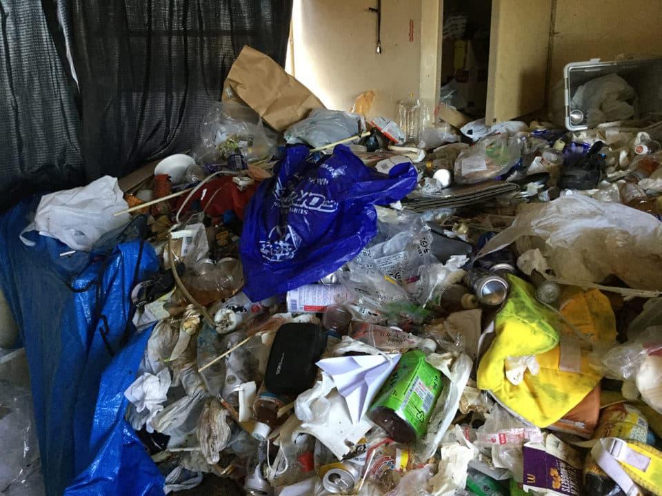 ネトネト系ゴミ屋敷の写真