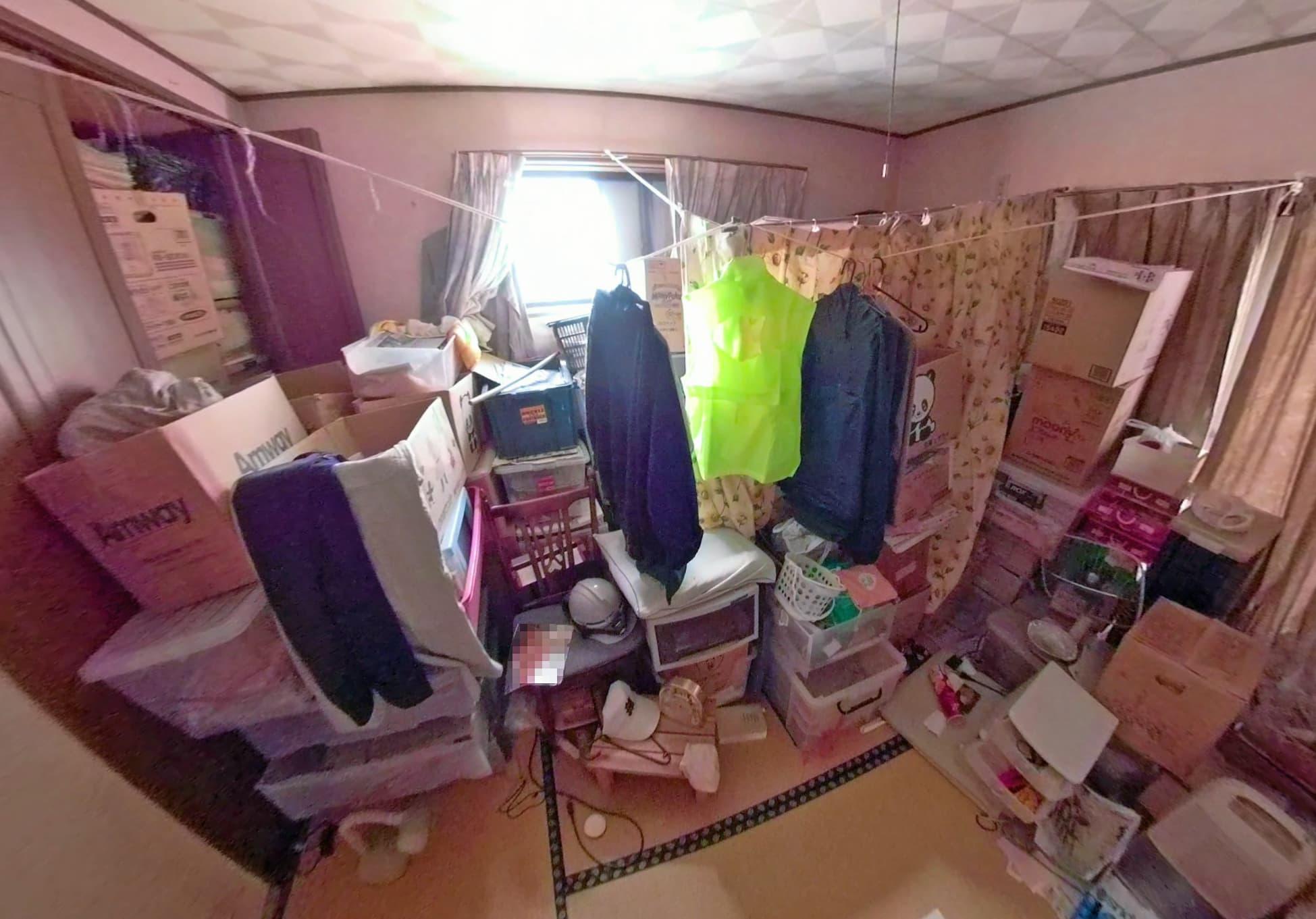 片付け前の2階にあるお部屋の様子