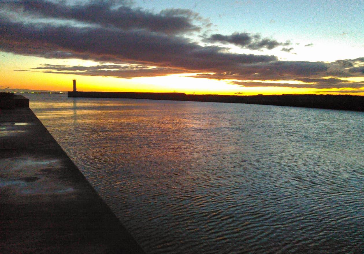 高橋さんが撮影した夕方の海の様子