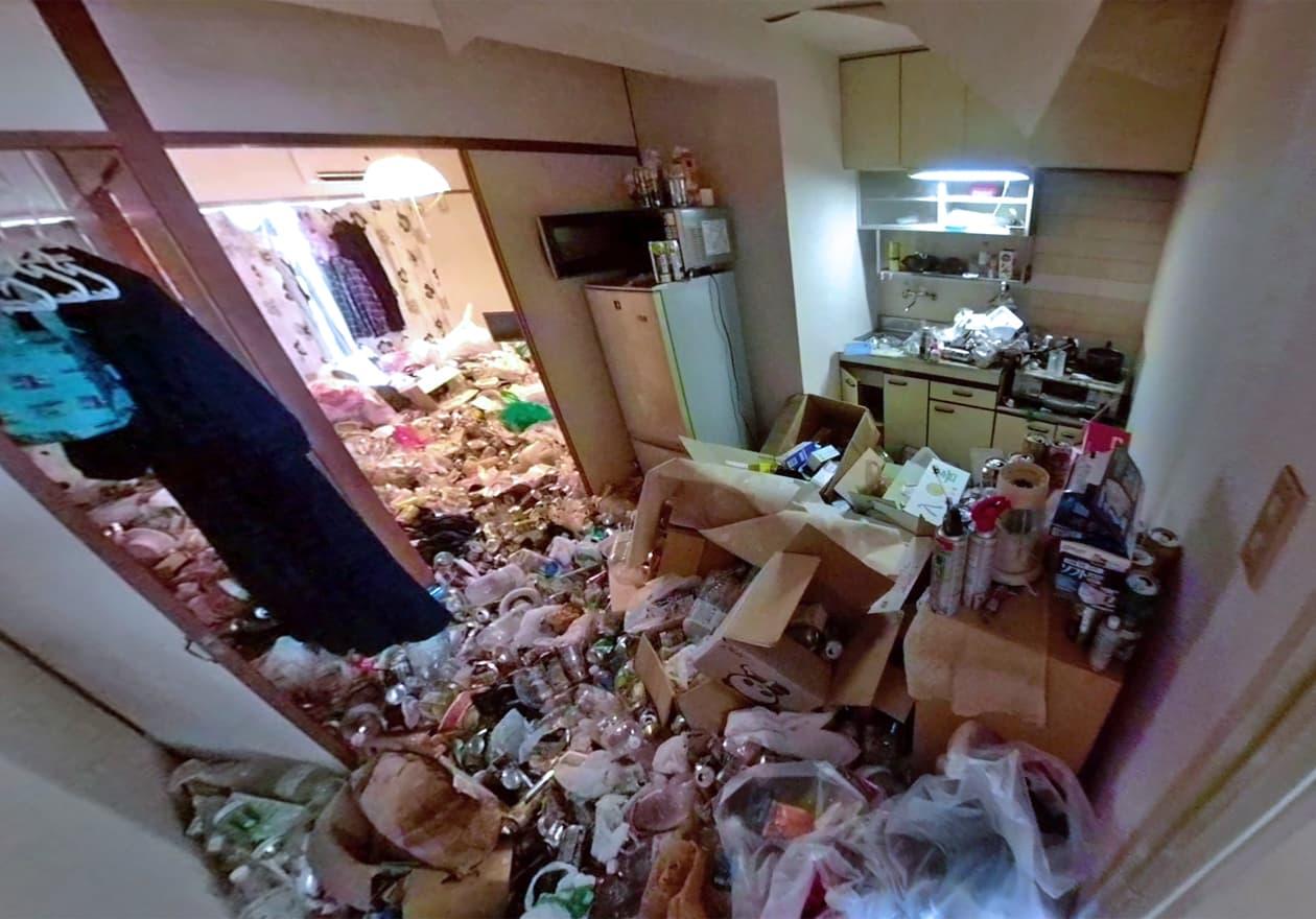 清掃前のキッチンの様子