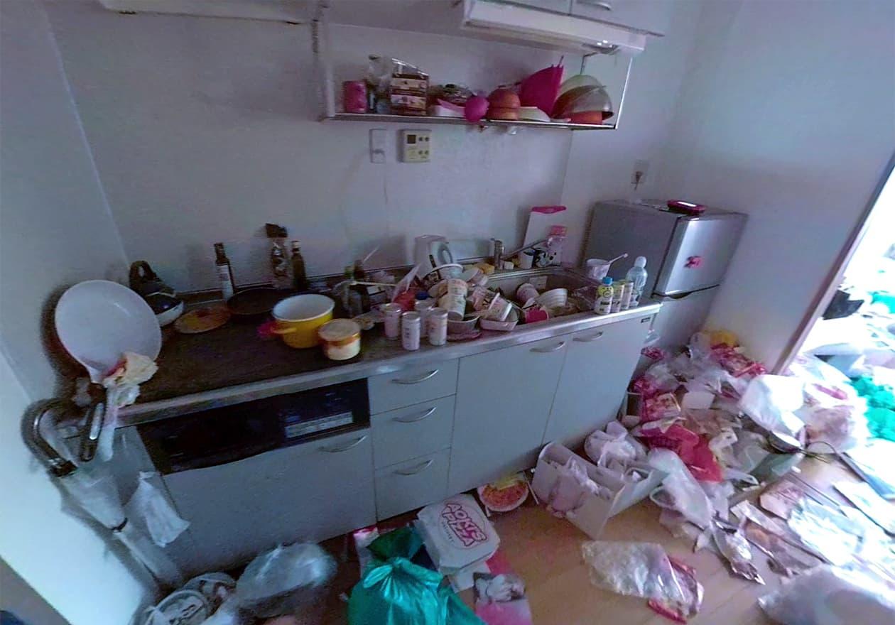片付け前のキッチンの様子
