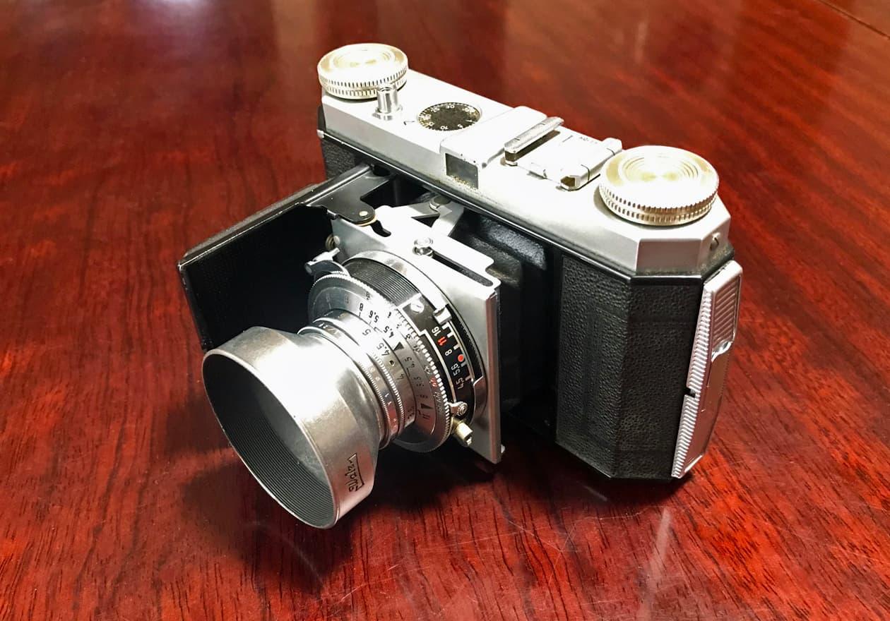 古いフィルムカメラの画像
