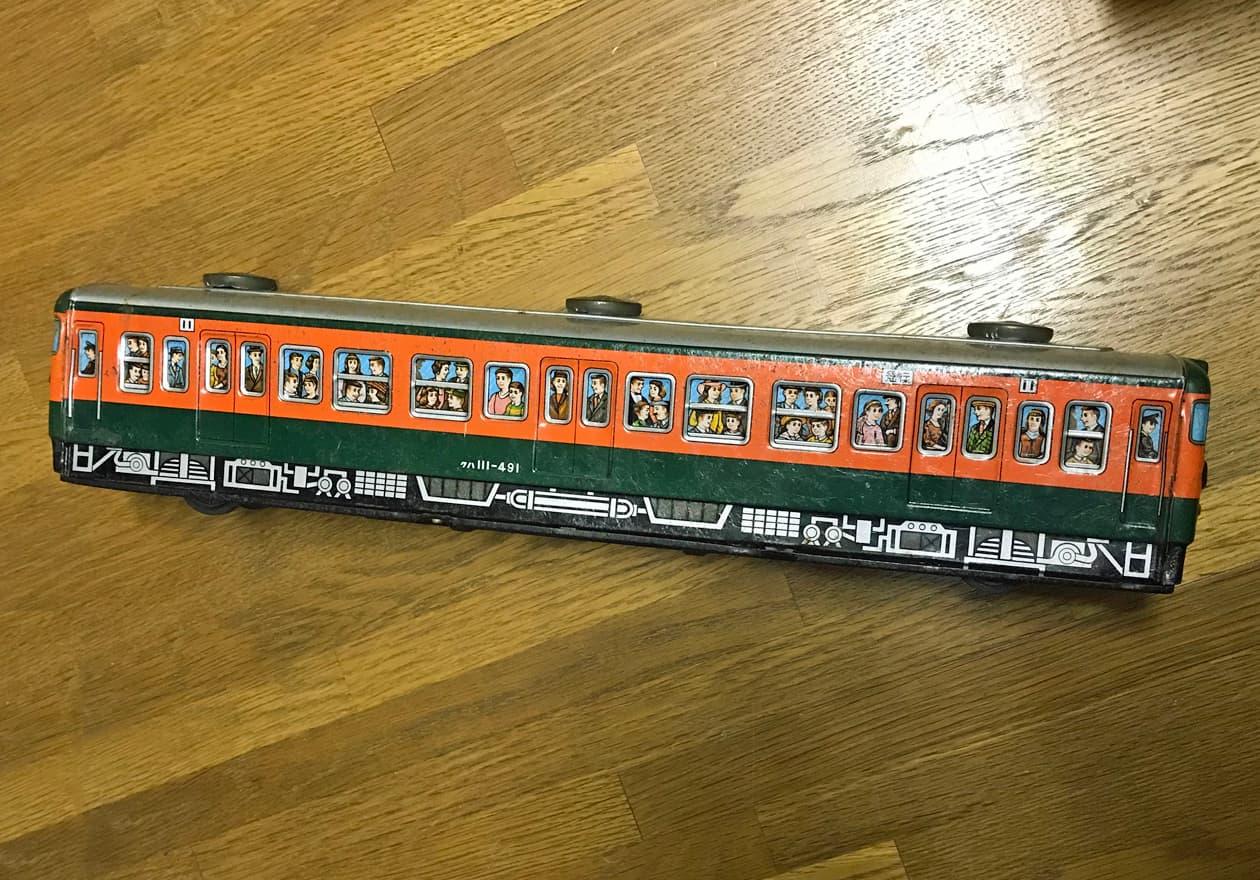 国鉄111系電車のブリキのオモチャ側面の画像