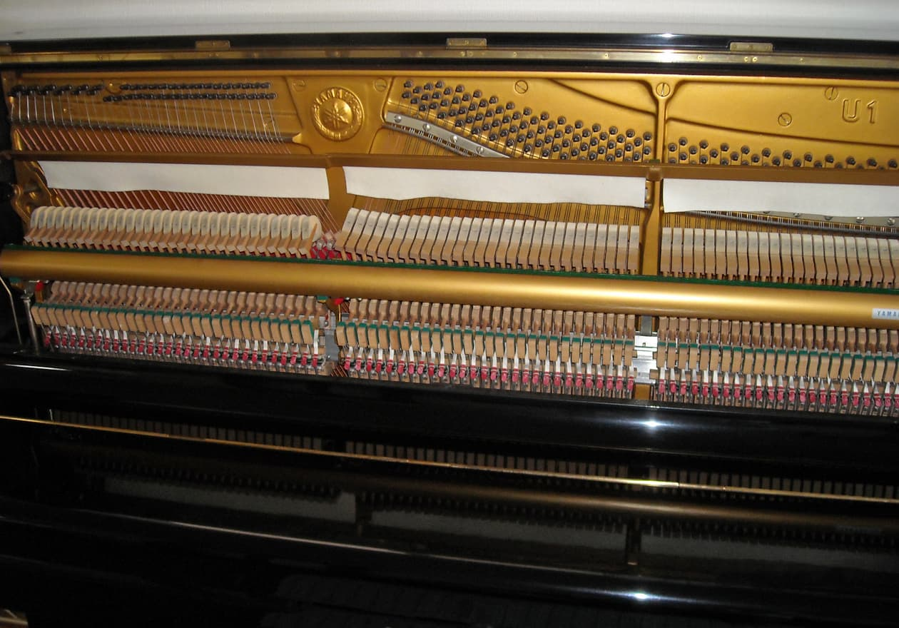 アップライトピアノの中の様子