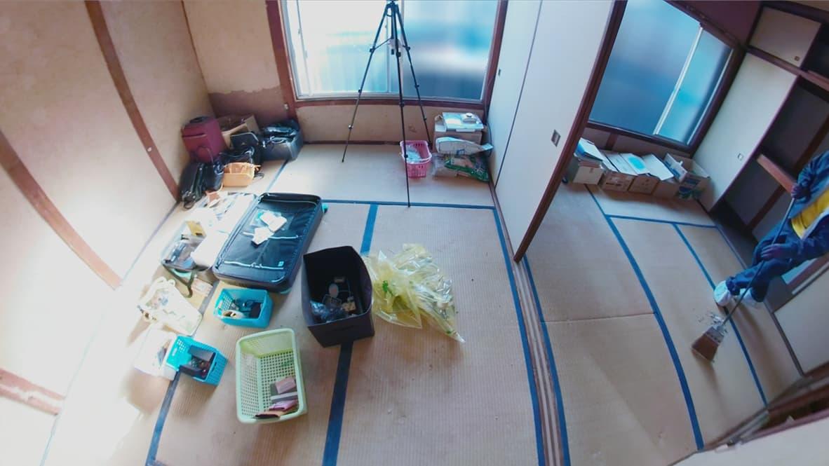 【名古屋市2DK:片付け後】貴重品等の残しておくモノを置いてある寝室の写真