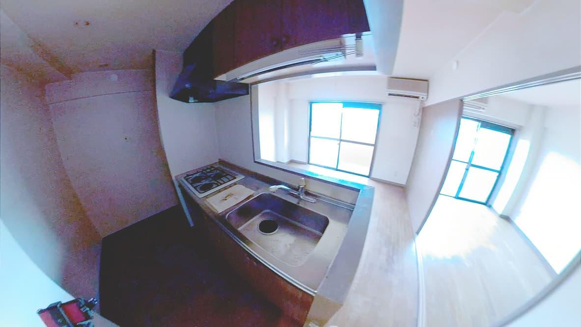 「ゴミや物が天井近くまで溜まってしまったゴミ屋敷の片付け」キッチンのアフター写真
