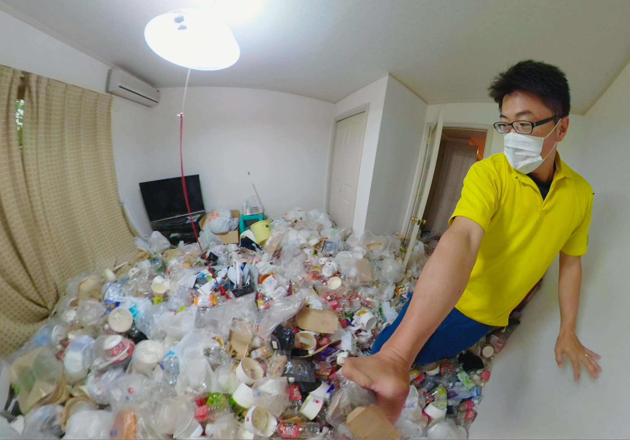 ゴミ屋敷のお部屋写真1