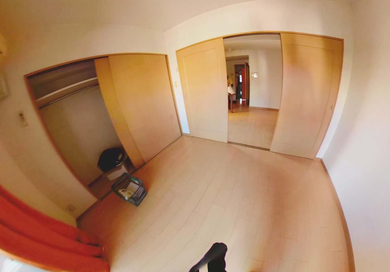 片付け後の寝室の写真